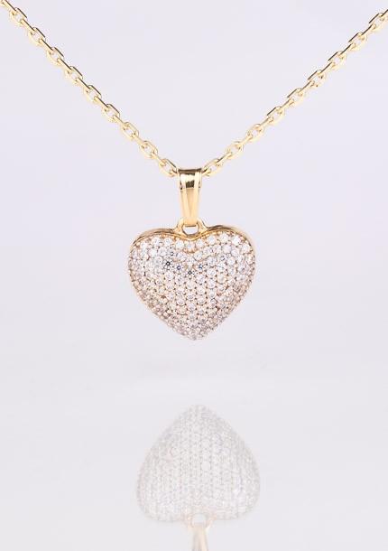 Zlatý prívesok zirkónové srdce